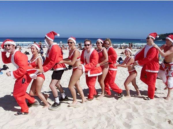 christmas-on-bondi-beach-and-coogee-beach