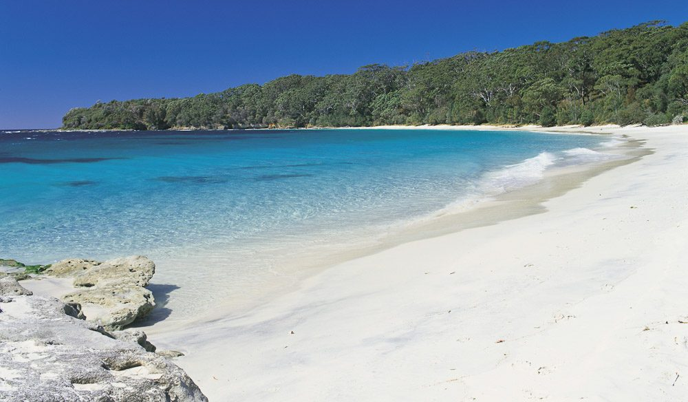 This image has an empty alt attribute; its file name is murrays-beach-jervis-bay.jpg