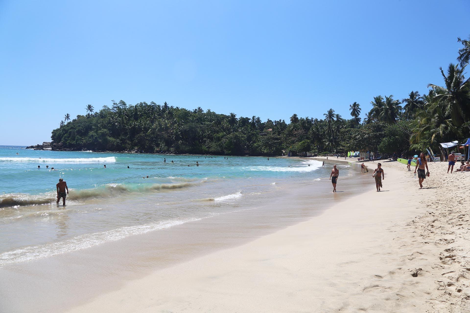 hiriketiya-beach-sri-lanka