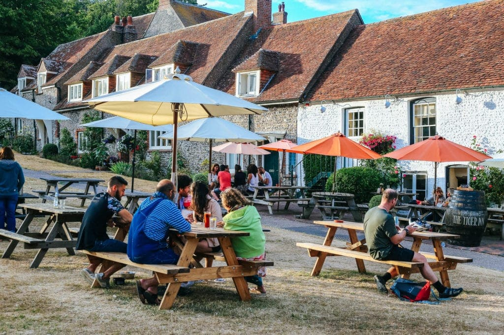 english-countryside-pub