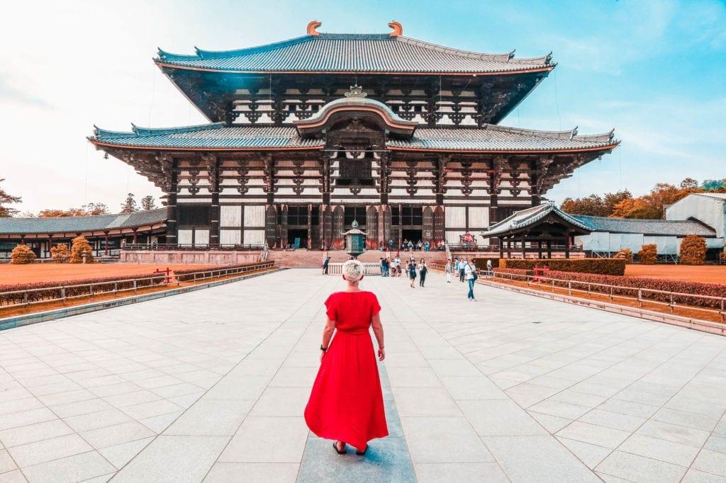 todai-ji-wooden-temple-japan