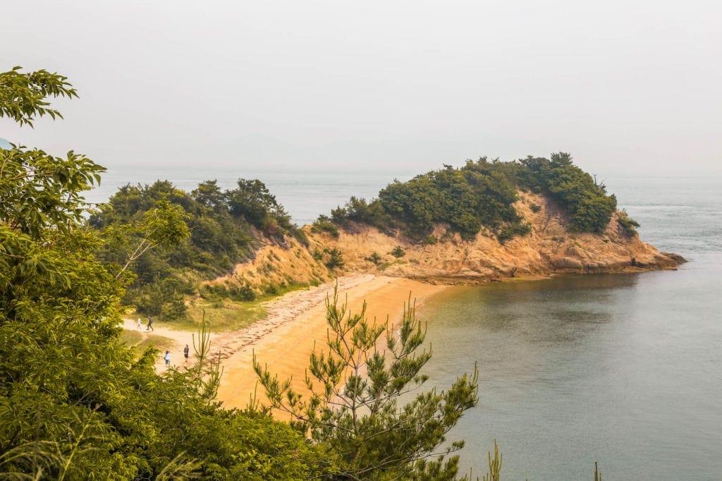 naoshima-island-beach-japan