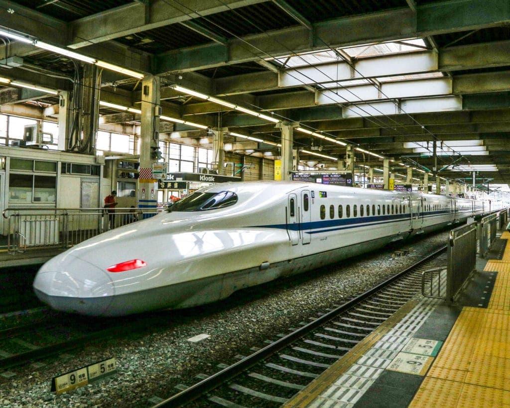 japan-bullet-train-jr-pass