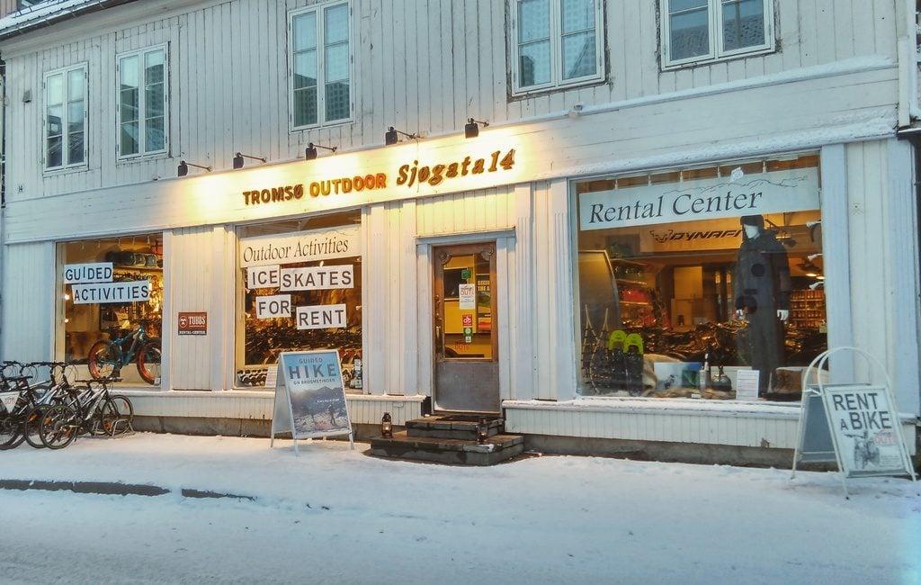 Tromso-outdoor-clothing-rental-norway