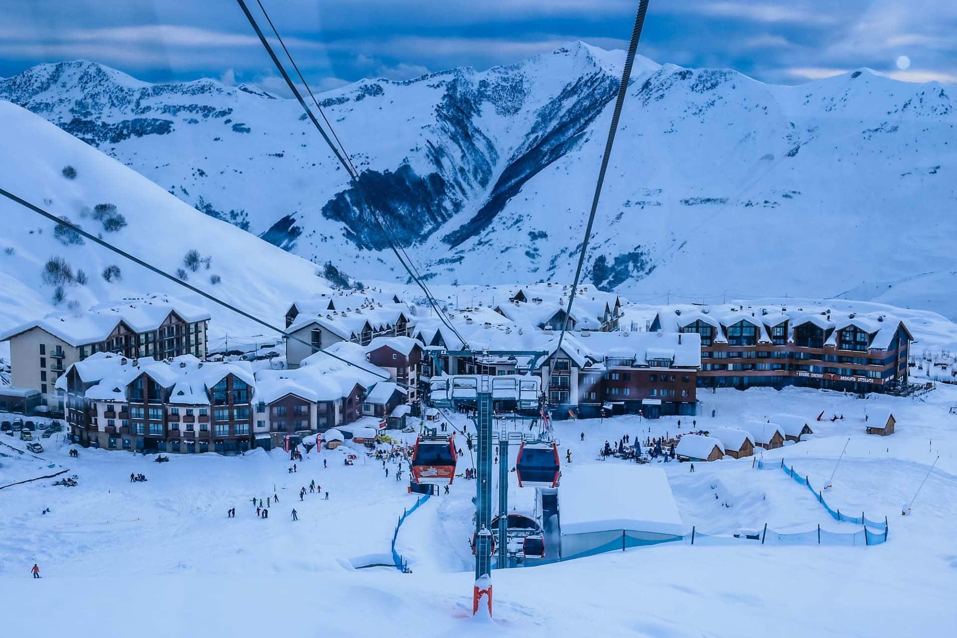 skiing-in-georgia-at-gudaur-ski-resort