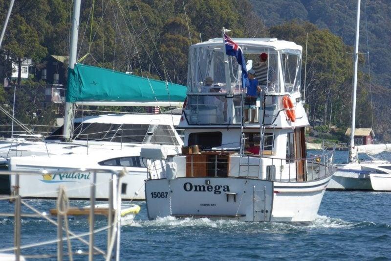 omega-hawkesbury-house-boat-hire-sydney