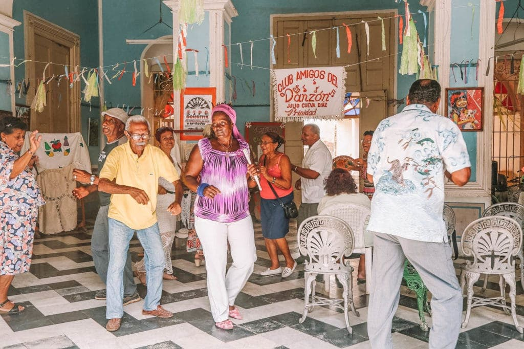 old-people-in-cuba