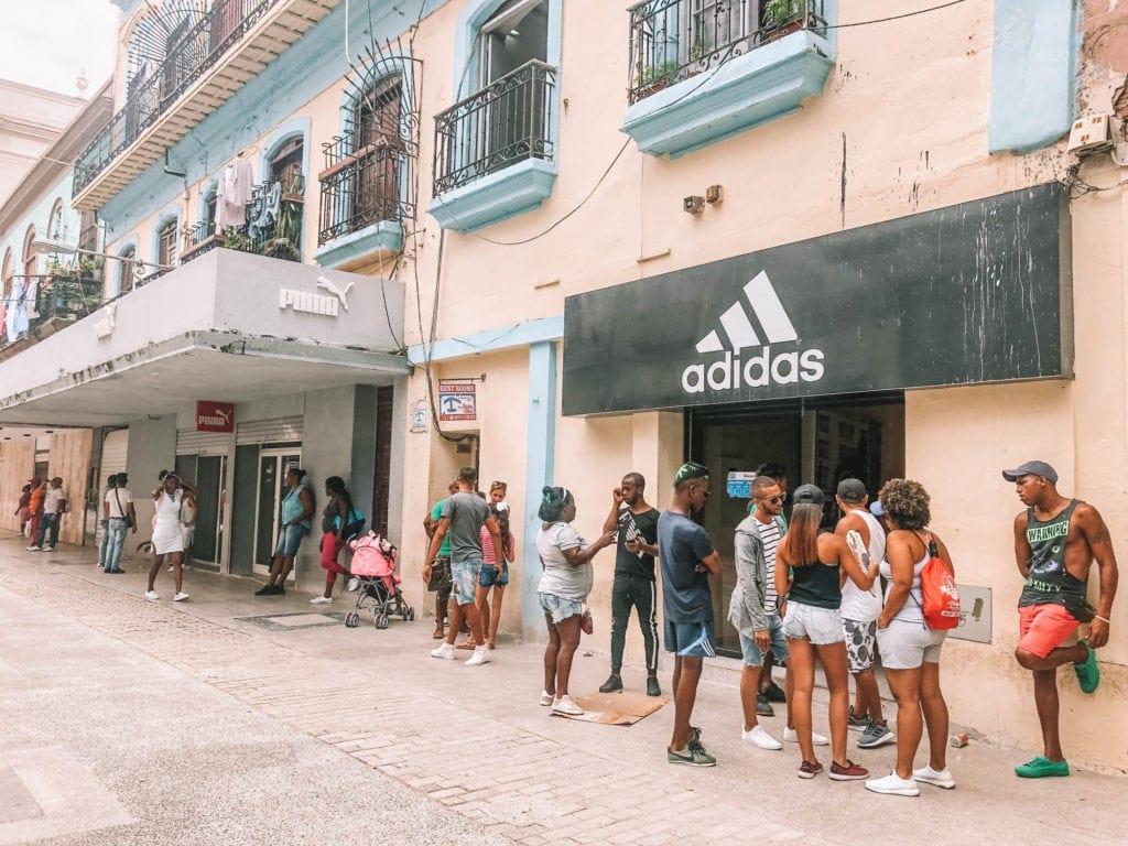 shops-in-havana