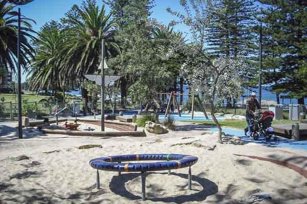 shelly-beach-cronulla-sydney-family-beaches