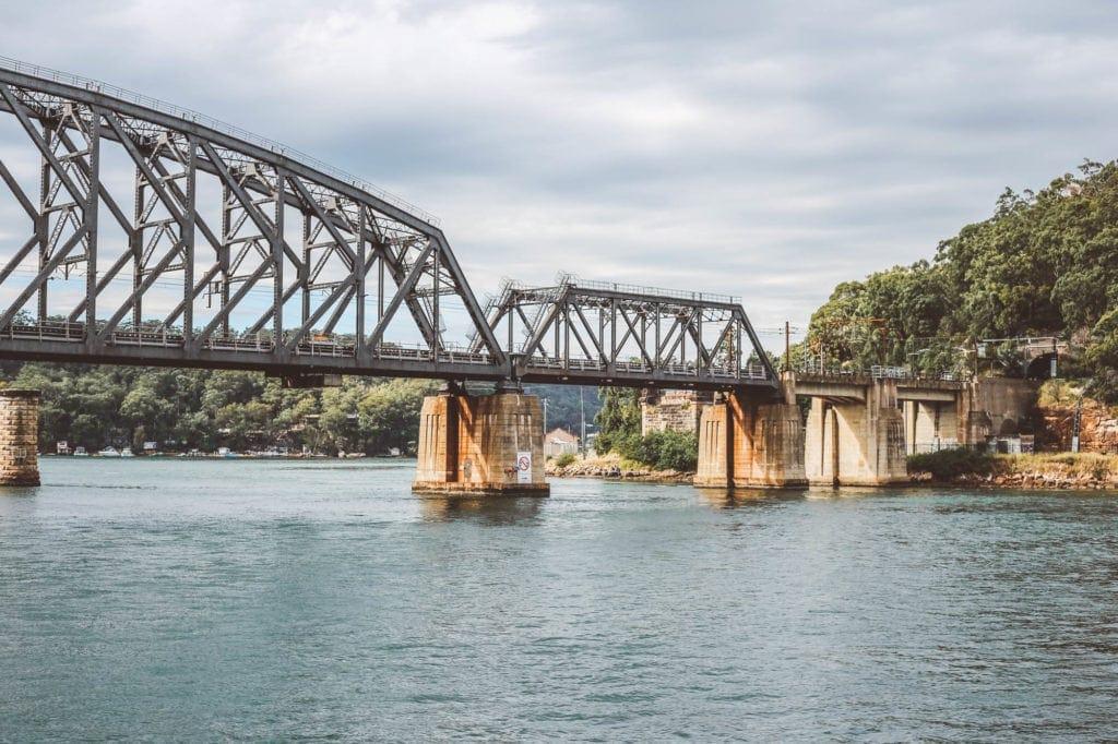 Riverboat-postman-cruise-brooklyn-bridge
