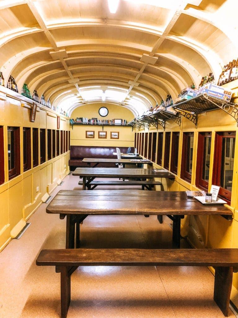 sunshine-coast-hinterland-accommodation-train-carriage-library