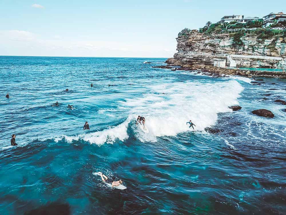 surfing-sydney-bondi-beach-premanent-residency-australia