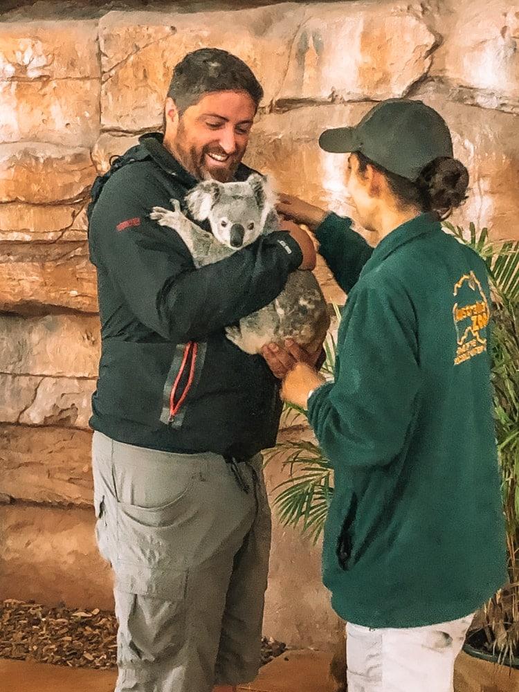 Australia-Zoo-koala-cuddle