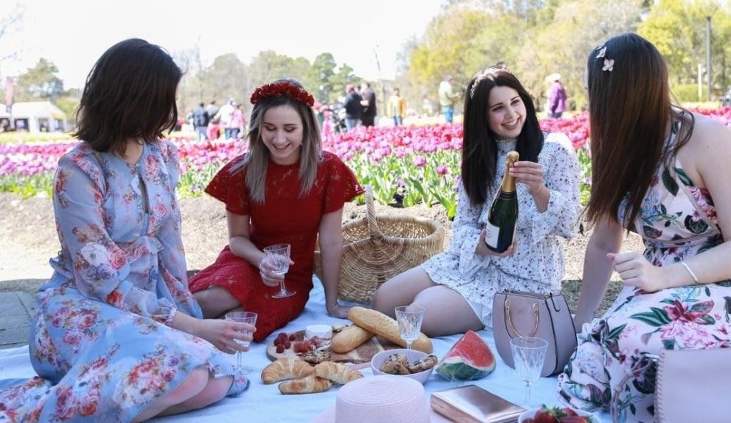 floriade-festival-canberra-picnic