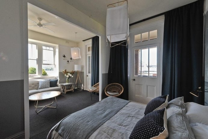 hotel-palisade-sydney-mid-range-hotel
