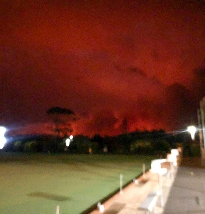 red-flames-in-sky-bush-fire-australia
