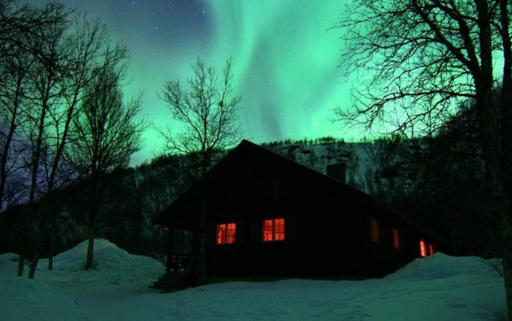 tromso-hotel-cabin