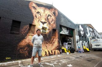 street-art-in-sydney-stuart-sale