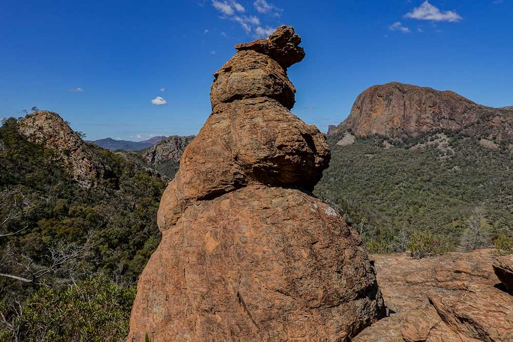 Cathedral-and-Arch-walk-warrumbungles