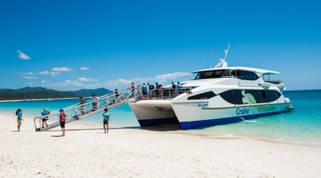 whitsundays-ferry